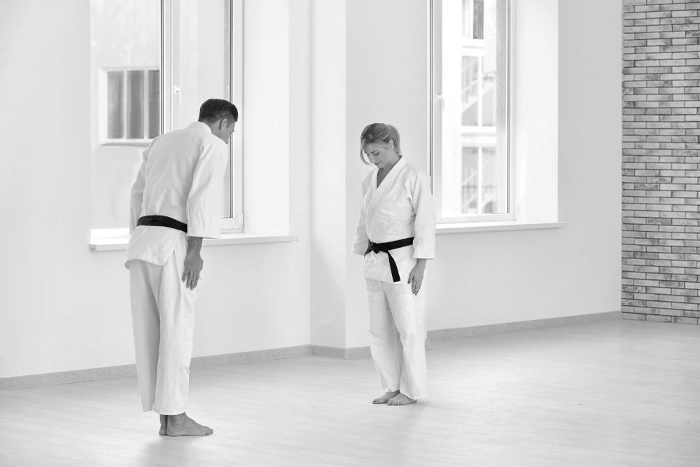 karate-cos-e-storia-benefici-come-si-pratica-1 copia